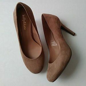Kelly & Katie beige faux-suede heels-sz 7M